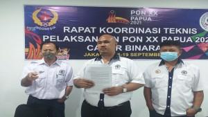 Ketua Bidang Hukum PP PBFI yang juga kuasa hukum, Umbu R Samapaty-1632070111
