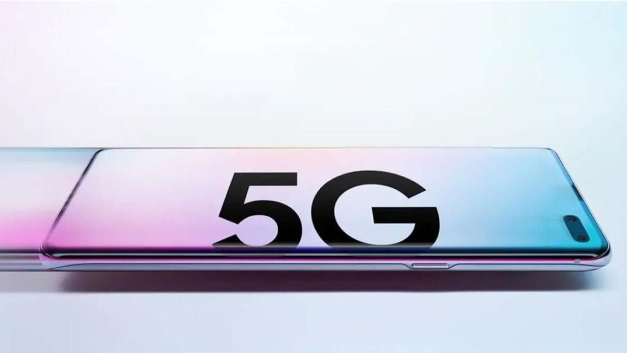 Ilustrasi ponsel 5G. (Jakmall)